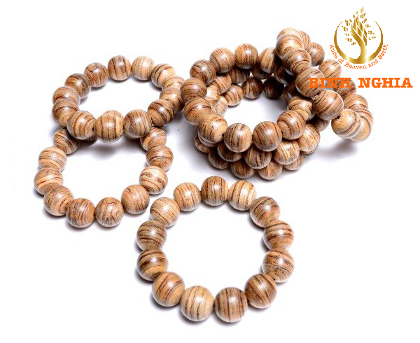 How to choose Agarwood bracelet that matches feng shui